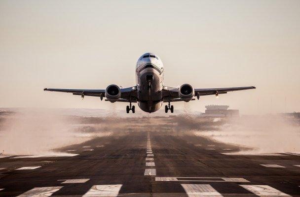 Alaska Airlines pilots plan picket over lack of compensation