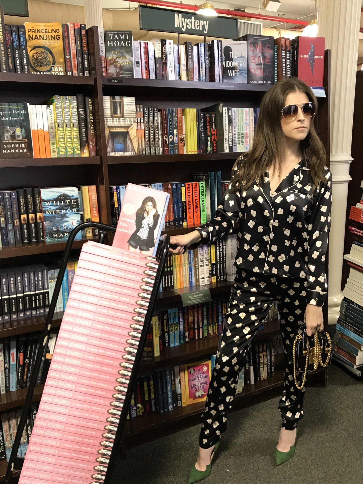 Just wheeling a few extra paperbacks into Union Square #ScrappyLittleNobody #fashionpajamas https://t.co/JKyNCtG8Oy