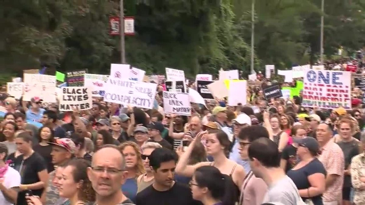 Thousands of protesters march to Boston Common ahead of 'free speech' rally