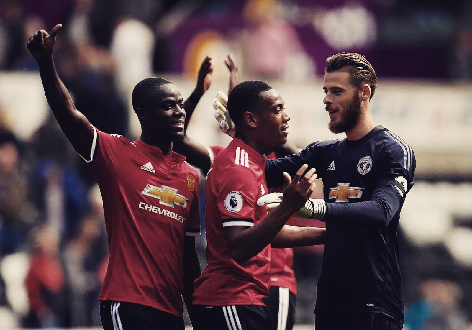 Happy weekend @ManUtd family! ������ https://t.co/dVeCI06AIP
