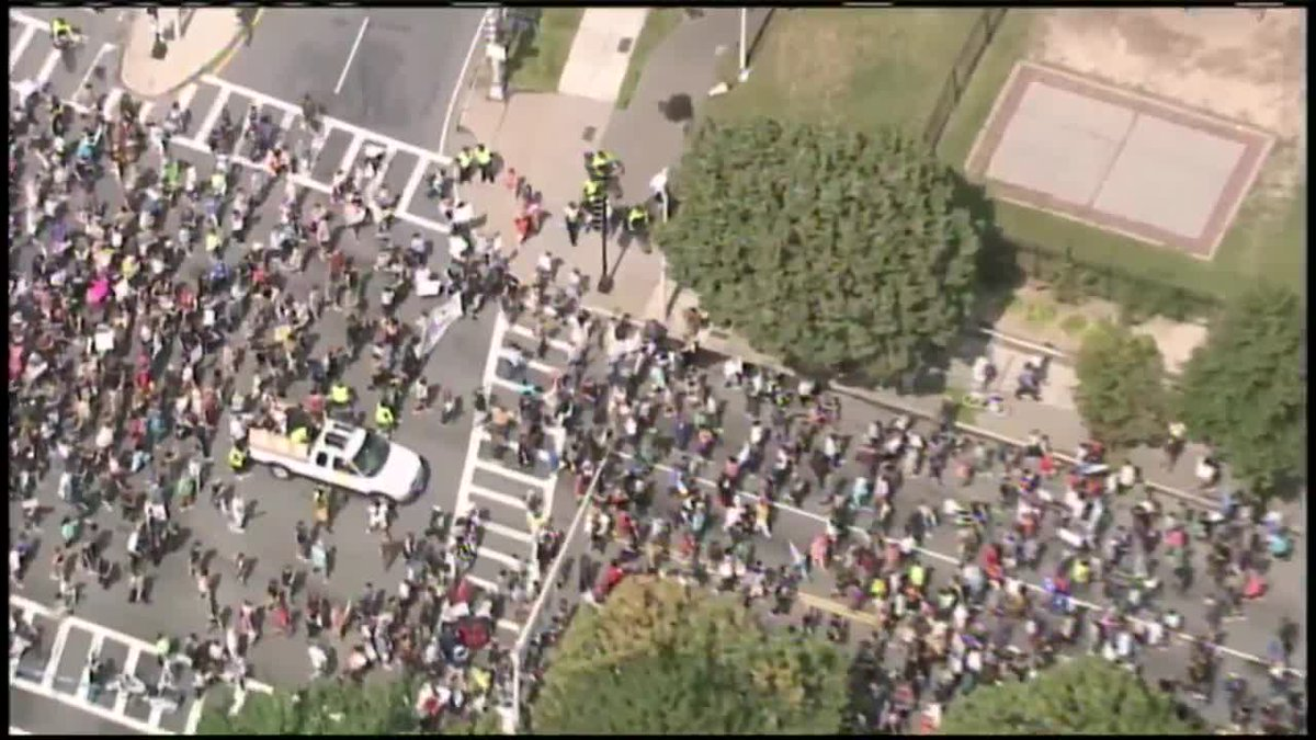 Sky5 LIVE: Protesters marching to Boston Common