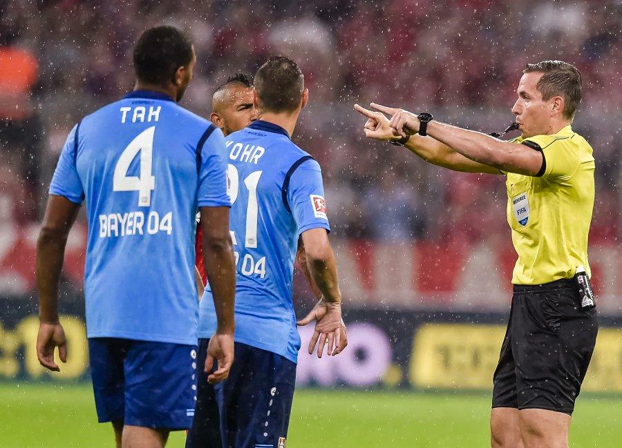 Video ref gets thumbs up on Bundesliga debut