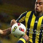 Cagliari, ecco Van der Wiel: arriva in prestito dal Fenerbahçe