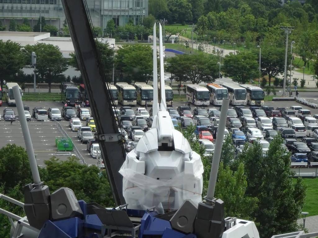 ガンダムユニコーンのツノはピンセットみたいになってるね。#gundam #ガンダムベース東京 #実物大ガンダムユニコーン