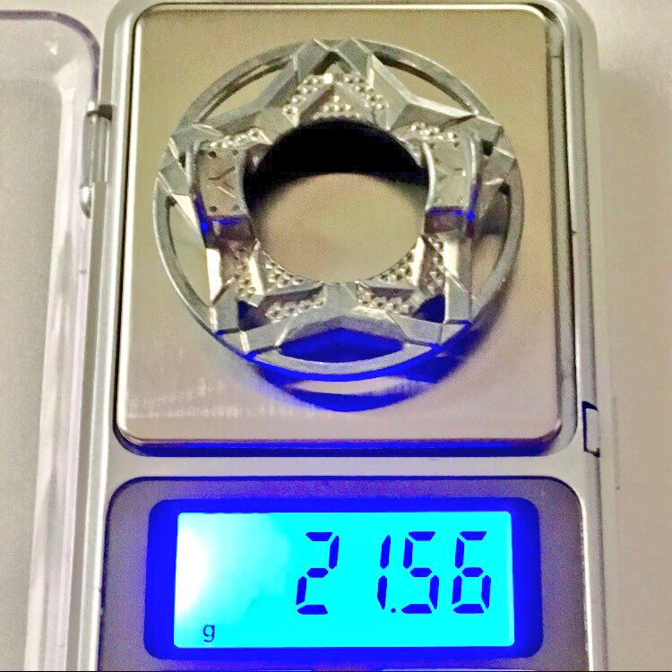 うちのベイブレードのディスクの重さ環境がエールとヘビーで逆転してるから重いと言われているディスクも実際量りで量ってみない