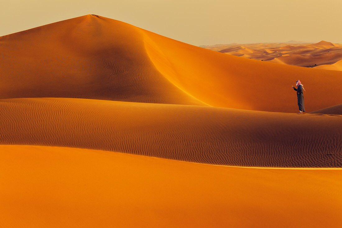 RT @mookaaltwijri: #اليوم_العالمي_للتصوير ولي ولع بالصحراء الفاتنه https://t.co/ps0JEmmK2g