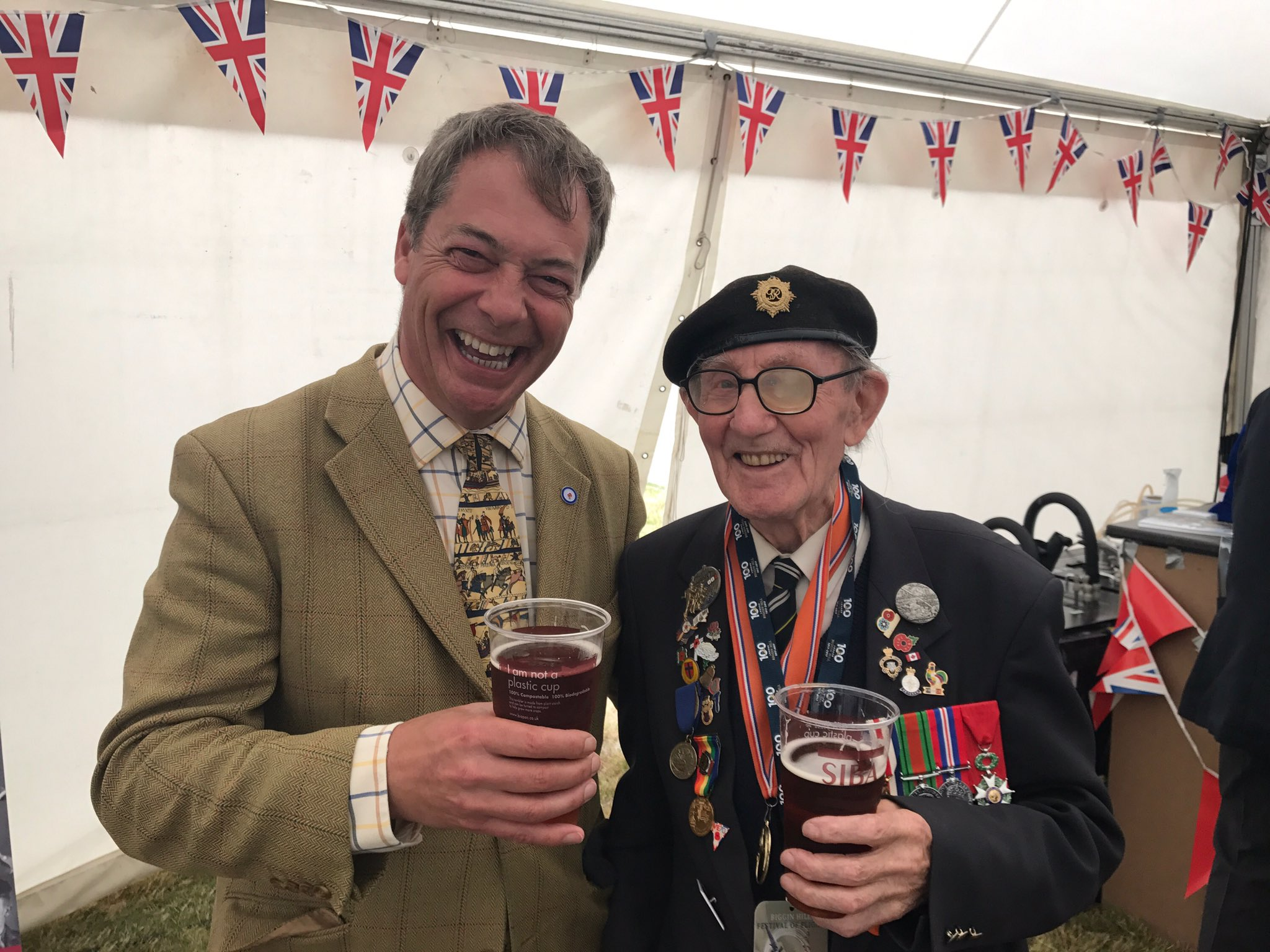 Enjoyed a sherbet with Harry again yesterday. He had a nice little runaround in Normandy in 1944. https://t.co/Elen6r5hU3