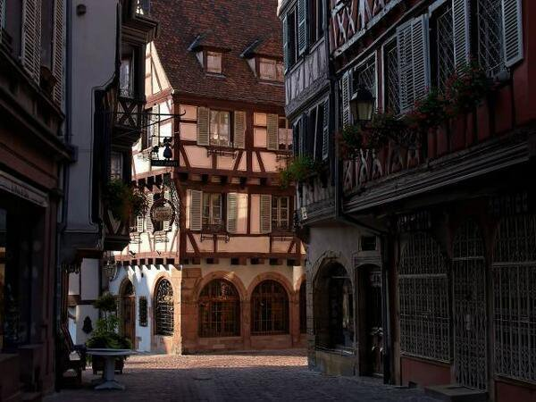 フランス・コルマールの路地裏。ハウルの動く城のモデルだとか!