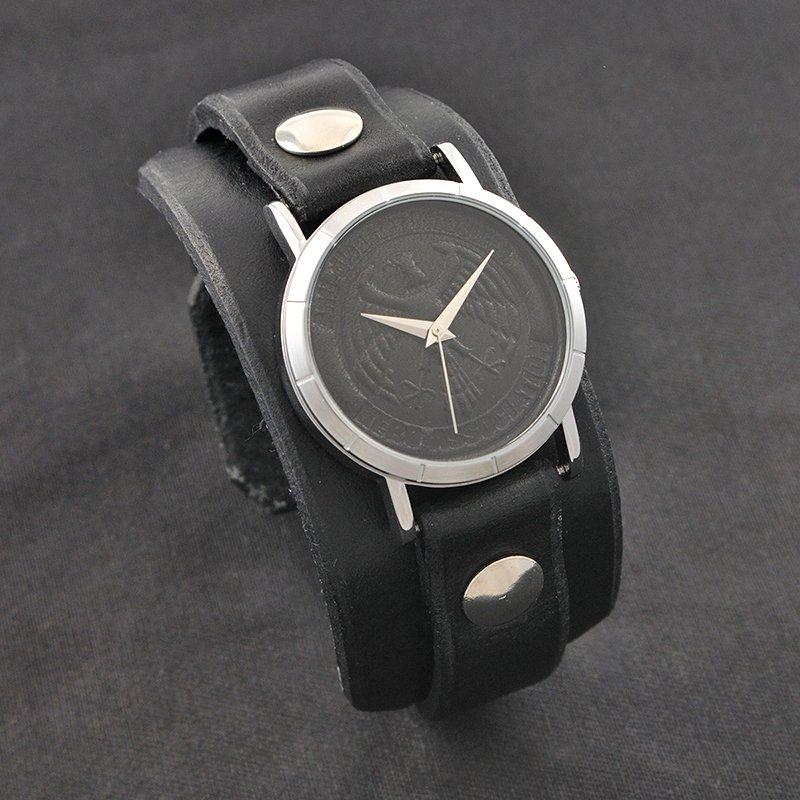 LAの革職人が製造した革ベルトバンドが特徴の腕時計ブランドRed Monkeyとのコラボ「ワンパンマン×Red Monk