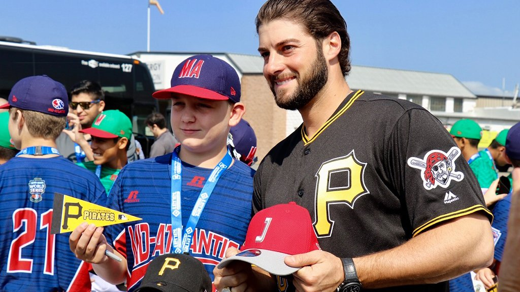 The @Pirates have arrived! #MLBLittleLeagueClassic https://t.co/HD4QiAq8jg