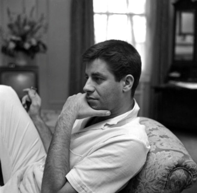 """""""You might as well like yourself; just think about all the time you're gonna have to spend with you."""" — Jerry Lewis #RIP https://t.co/R4UGIGSxBv"""