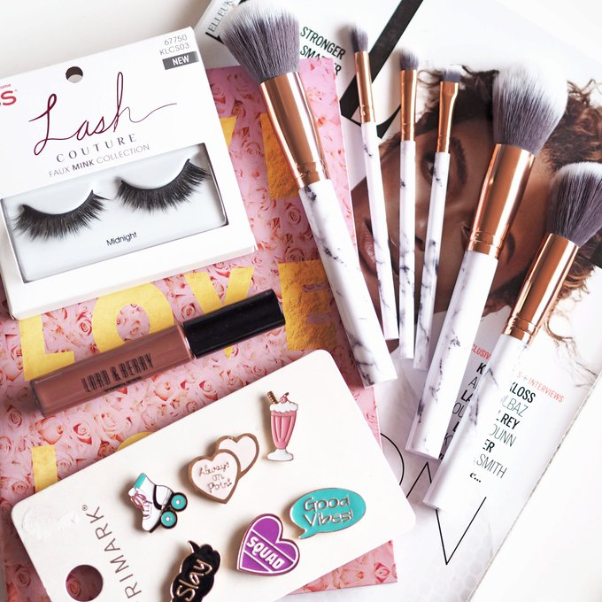Have you entered to win this beauty bundle yet? giveaway win freebiefriday