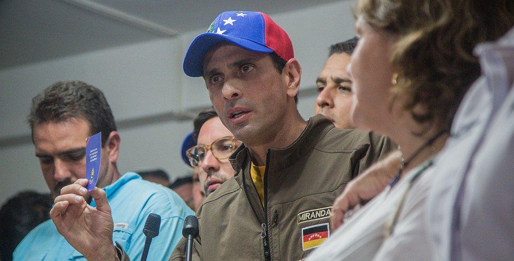 Capriles: no podemos permitir que la división promovida por el Gobierno nos desmovilice https://t.co/6PvmkWfMfN https://t.co/PwoT8OOcqZ