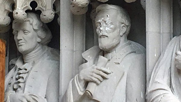 Duke University removes statue of Robert E. Lee from campus chapel