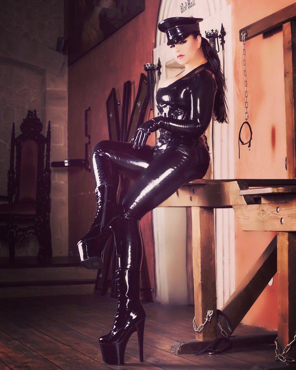 Сексуальный раб у госпожи