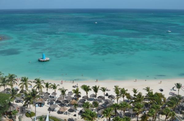 Minister Aruba in de kraag gevat