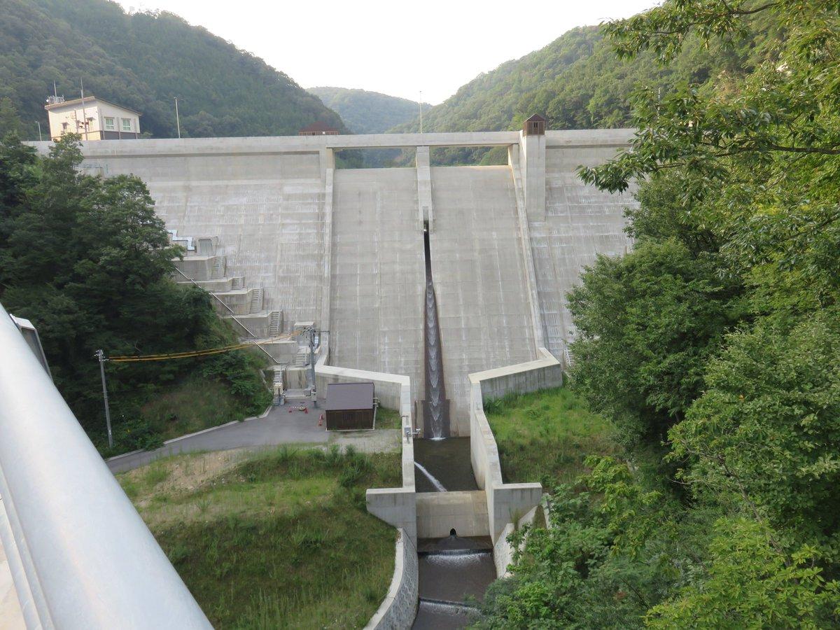 君のいる町の聖地巡礼を兼ねて、試験湛水中の庄原ダムに行ってきました。(しけんたんすい)って読むのか、難しい。意味も初めて