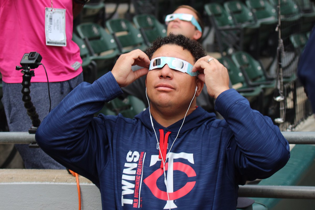 #BigSexy got his goggles on for the big event. #SolarEclipse2017