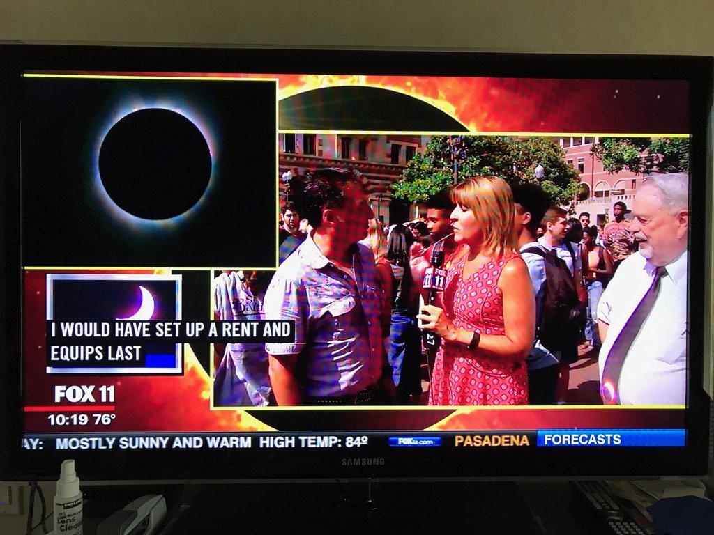 #Eclipse2017 #EclipseDay #rt jEyxczNZNJ