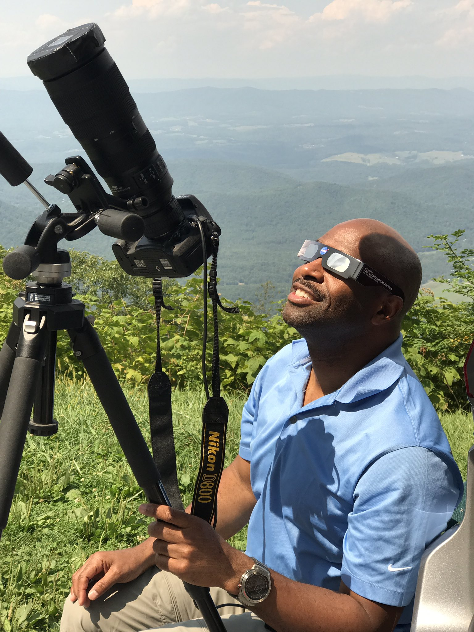 Thanks @NASA for what you do to inspire the young and old Explorers. #EclipseSolar2017 ��❤️���������� https://t.co/nJleFYEWi2