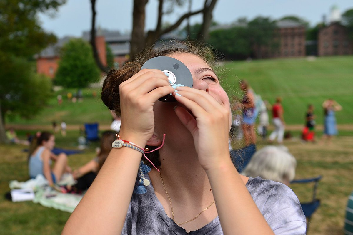 test Twitter Media - We hosted 200+ Wes and local community members for #Eclipse2017 today @WesAstro https://t.co/MdmnnAHWgV 🌘 https://t.co/RN4O8hY82V