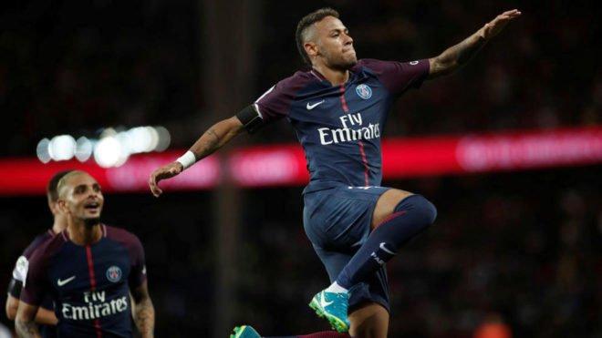 #LoMásVisto 'Lambretta' y golazo 'maradoniano' de Neymar con el PSG ▶ https://t.co/DkueBIi1Ku #Ligue1 https://t.co/QH2PkMWUzD