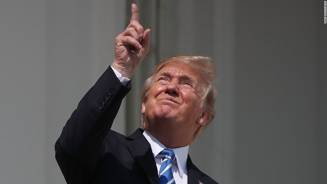 Yes, President Donald Trump really did look into the sky during #SolarEclipse2017 https://t.co/aqj6ObxQRy https://t.co/t47aqHSSMR