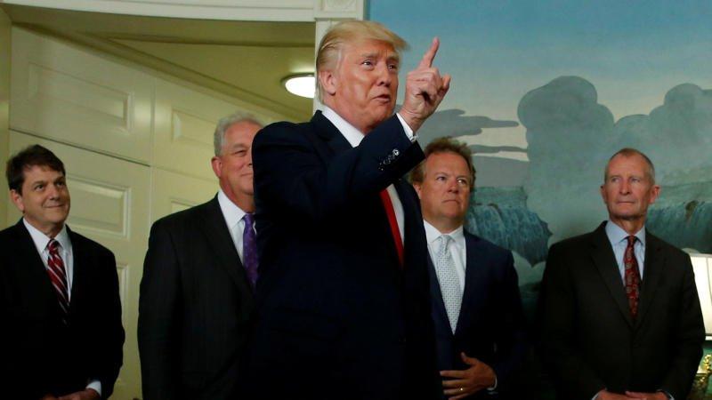 Los empresarios de EU le dan una nota desfavorable a Trump, de acuerdo con encuesta
