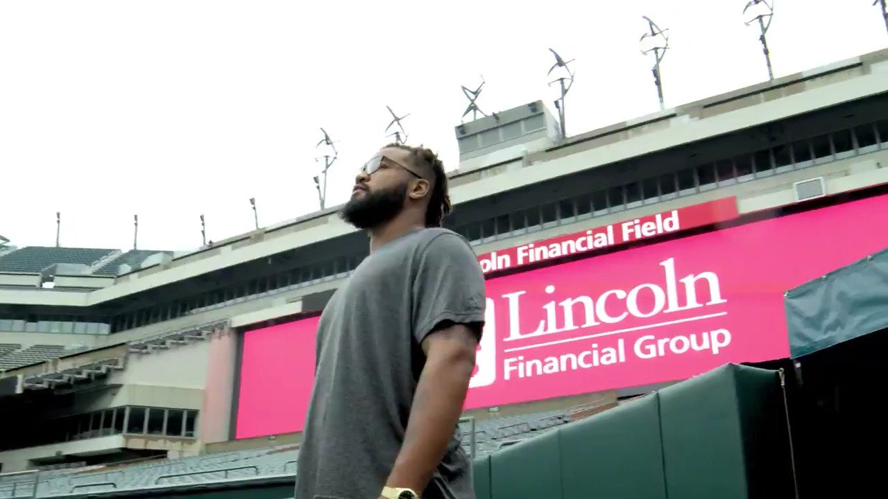 Get to know more about #Eagles 1st-round draft pick @dbarnett25 in Episode 1 of @lincolnfingroup's new series. https://t.co/IJngFRNOLm
