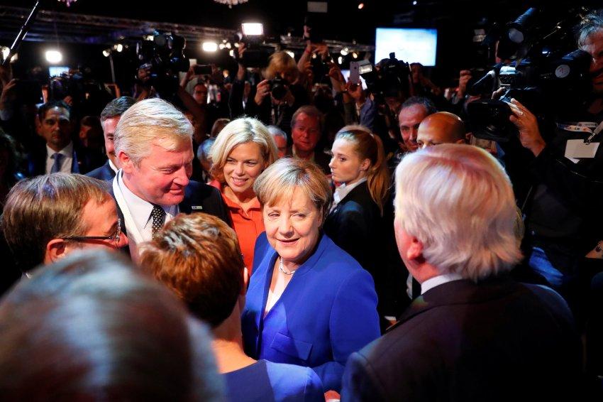 Nach TV-Duell: Merkel laut Umfragen Siegerin: Überraschung https://t.co/qWvcWHjXu9 https://t.co/1AUnFo3efV