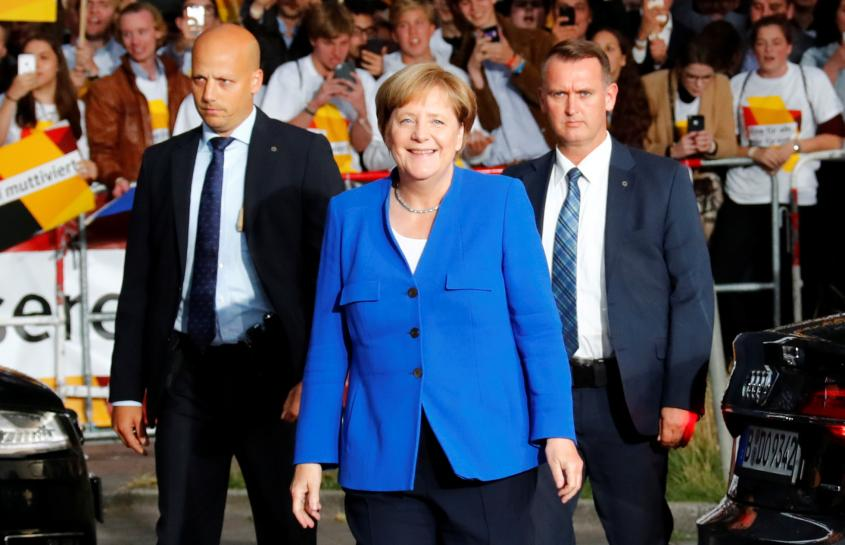 In shift, Merkel backs end to EU-Turkey membership talks