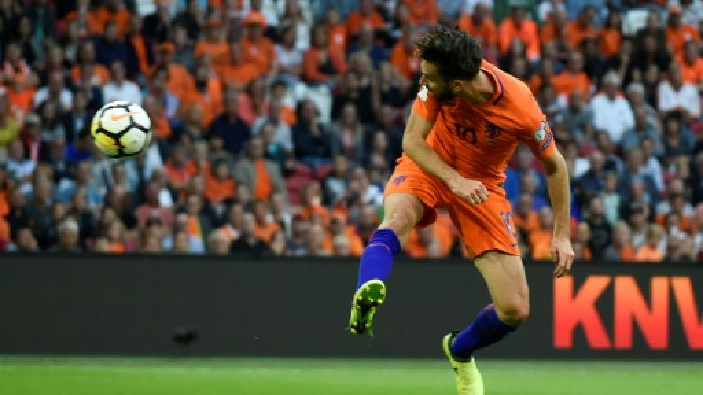 Dutch give themselves Propper World Cup chance