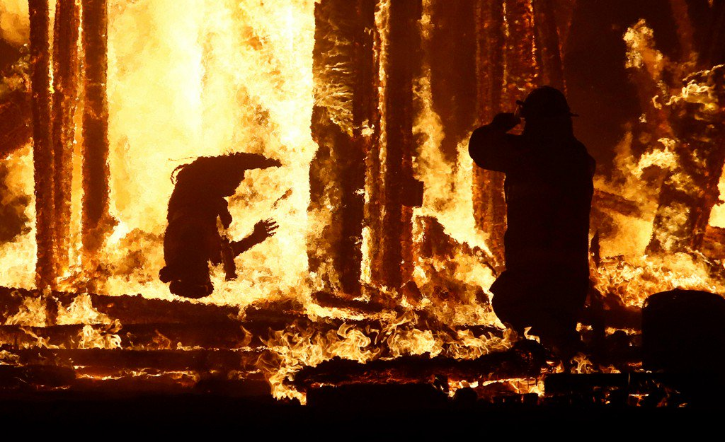 Man dies at Burning Man arts and music festival after running into flames