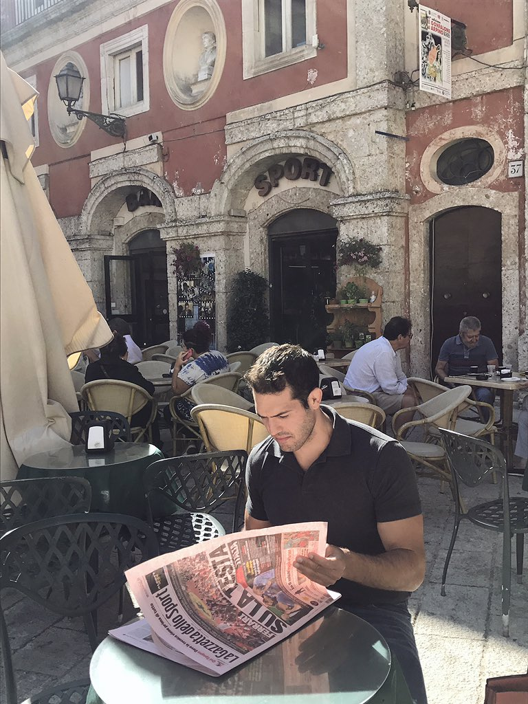 Back in his Home Town with his Favourite Italian Newspaper @Gazzetta_it ???????????????????? https://t.co/EnTX92GJ0J