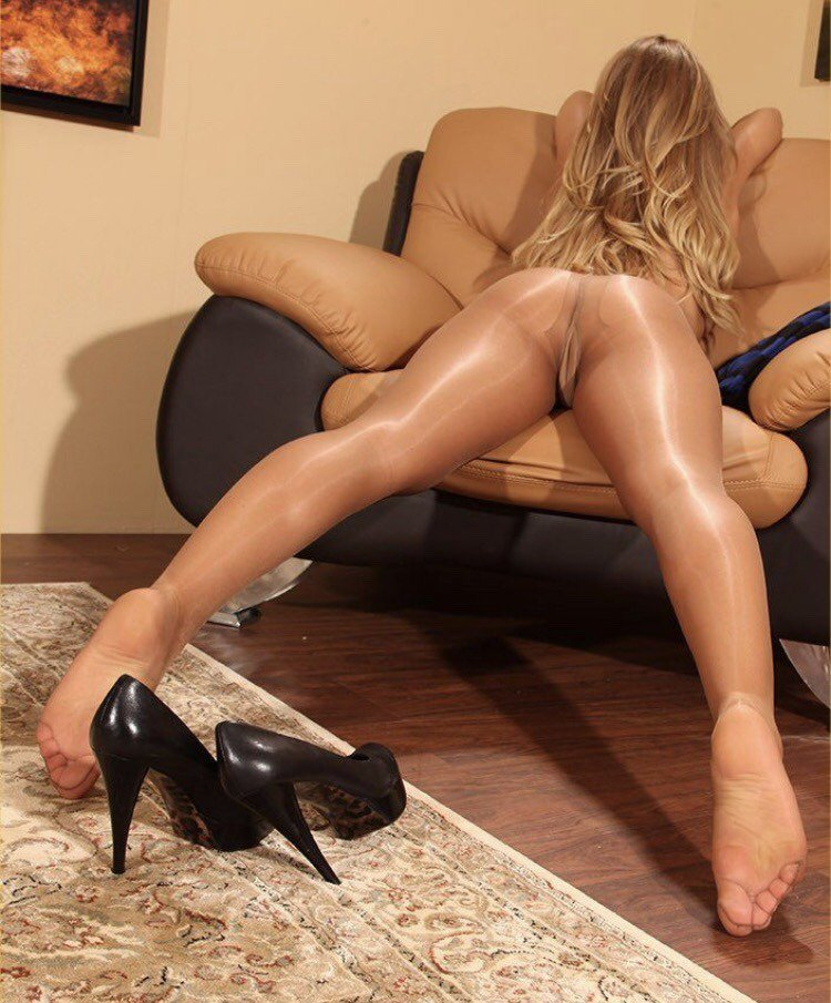 Sexy leggy women