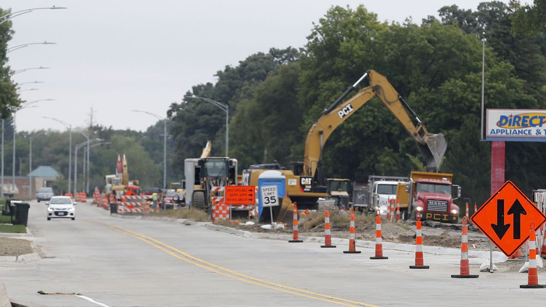 Traffic shifts on University Ave. in Cedar Falls this week