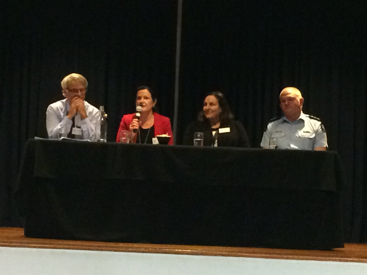 "test Twitter Media - #ELF2017 Panel and participants encouraging discussion on ""Helping young people manage their learning & career paths MOE, CDANZ, @nzpolice https://t.co/7qMVem9qvb"
