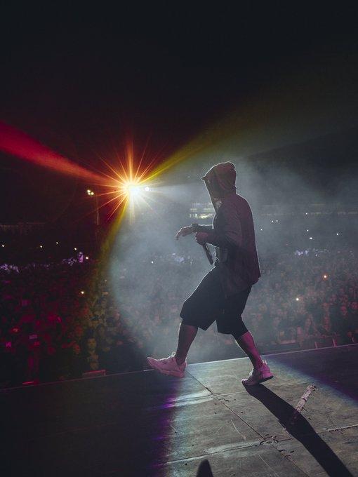 @Eminem: Thank you for having me yet again Glasgow! More pics tomorrow. https://t.co/8NYCqRVjhC