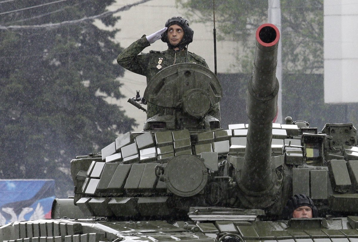 Kiev says Russia has 20 times as many tanks in Ukraine since 2014