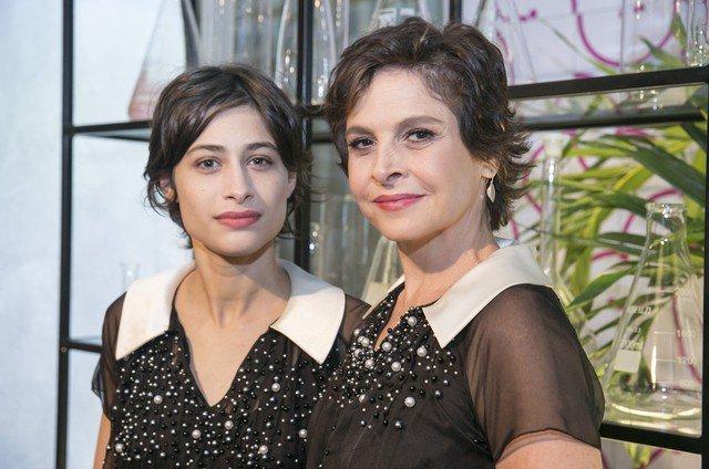 Drica Moraes. Foto do site da Patrícia Kogut que mostra 'A fórmula', série com Drica Moraes e Luisa Arraes, vai virar telefilme