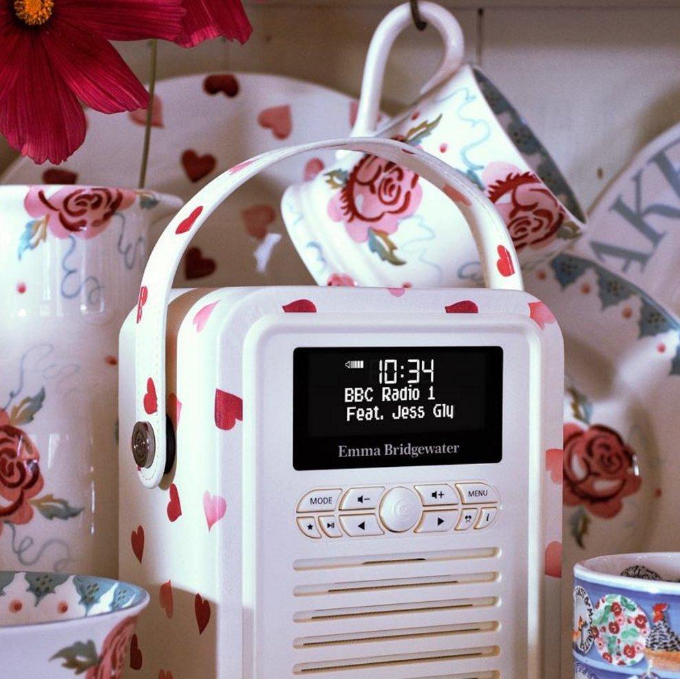 It's your last chance to win an Emma Bridgewater @MyVQUK Retro Mini radio ??