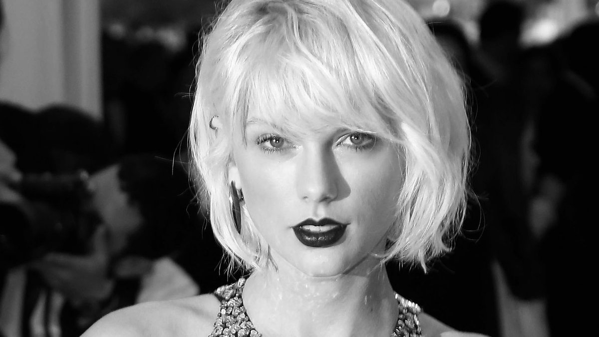 Taylor Swift's 'Look What You Made Me Do' Has Fans Going Goth And Getting Feisty