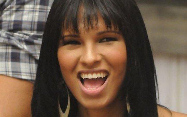 Ariadna. Foto do site da RD1 que mostra Ariadna Arantes, primeira transexual do BBB, é bloqueada por Glória Perez noTwitter