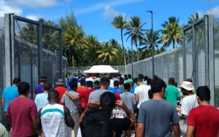 PNG tells Australia not to close detention centre
