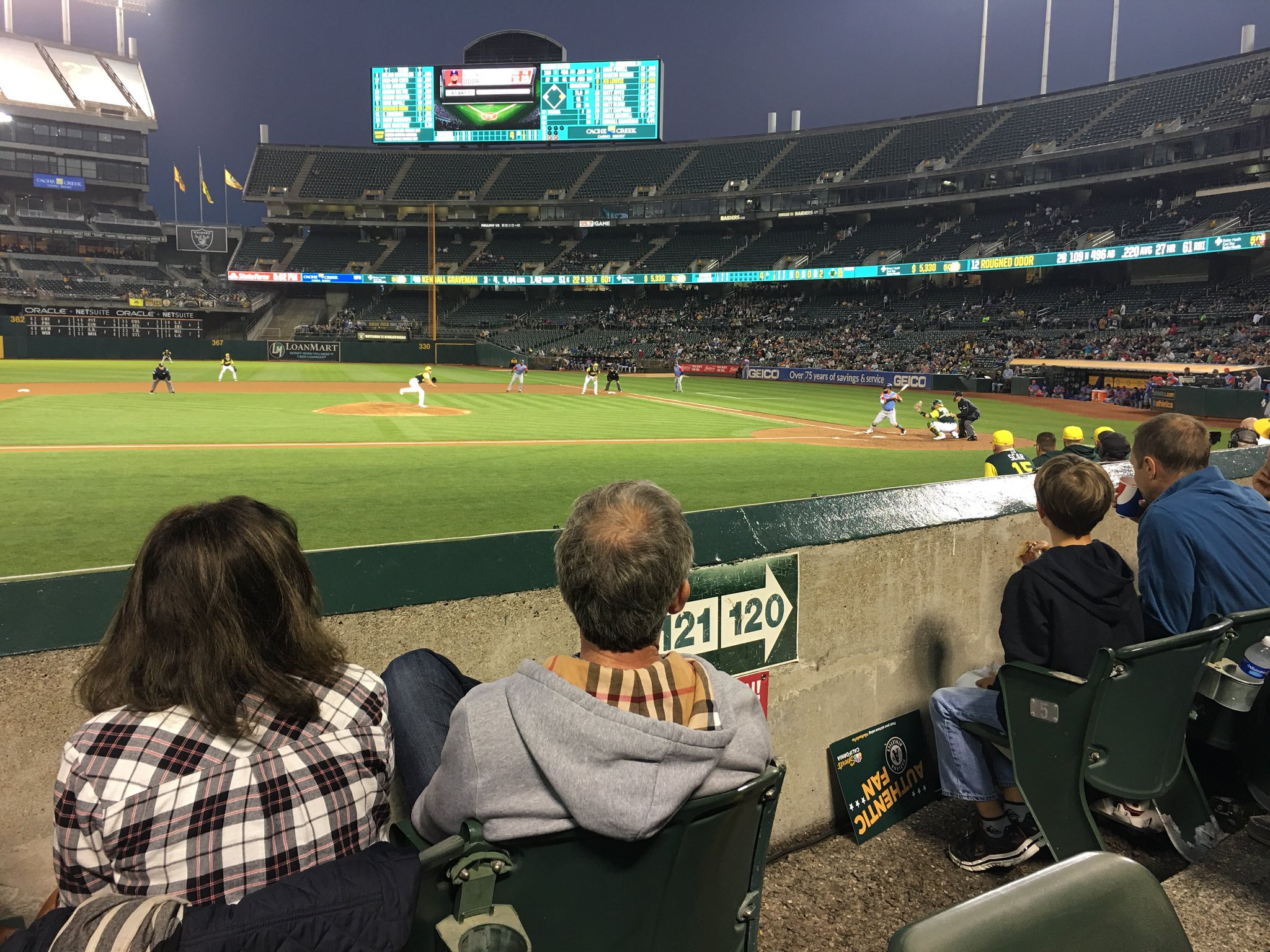 great night for some baseball. thank you kyle and the @Athletics  ������ https://t.co/LbTfDD6OIq