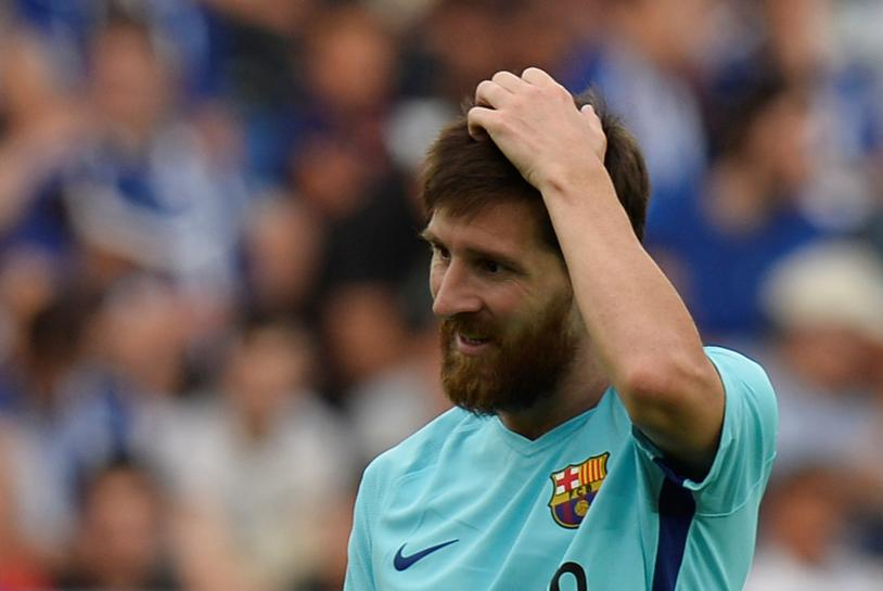 Messi double gives Barca win at Alaves