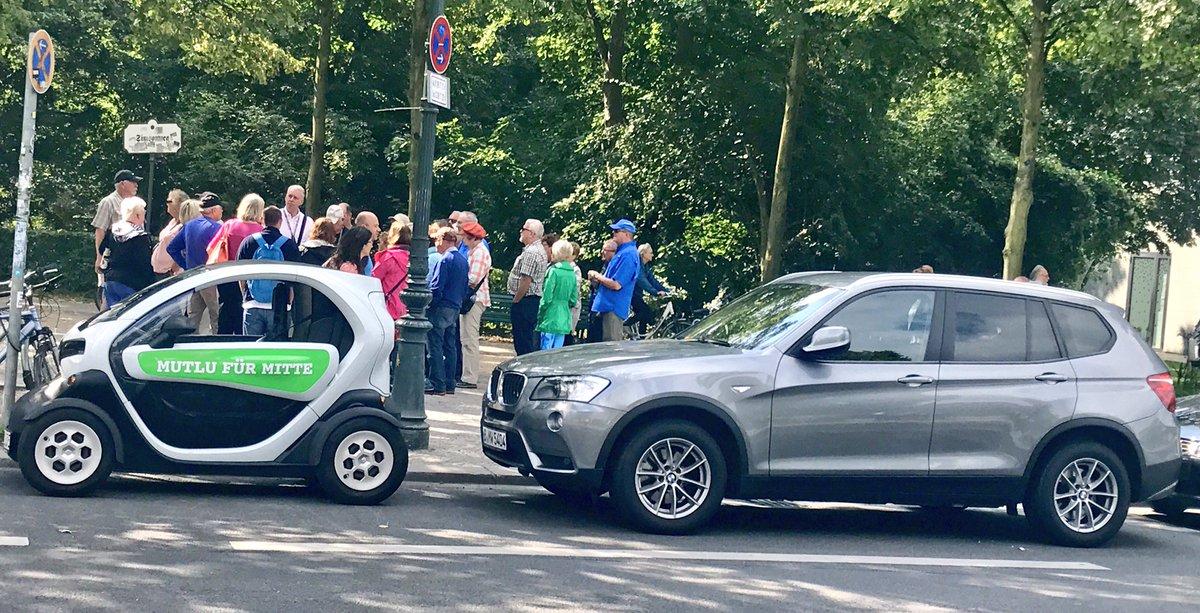 test Twitter Media - Das #MutluMobil passt in jede Lücke, schont die Umwelt- 100% elektrisch & lässt viele alt aussehen (wie das Fahrzeug dahinter) #MutluDirekt https://t.co/XDpW5p4e0B