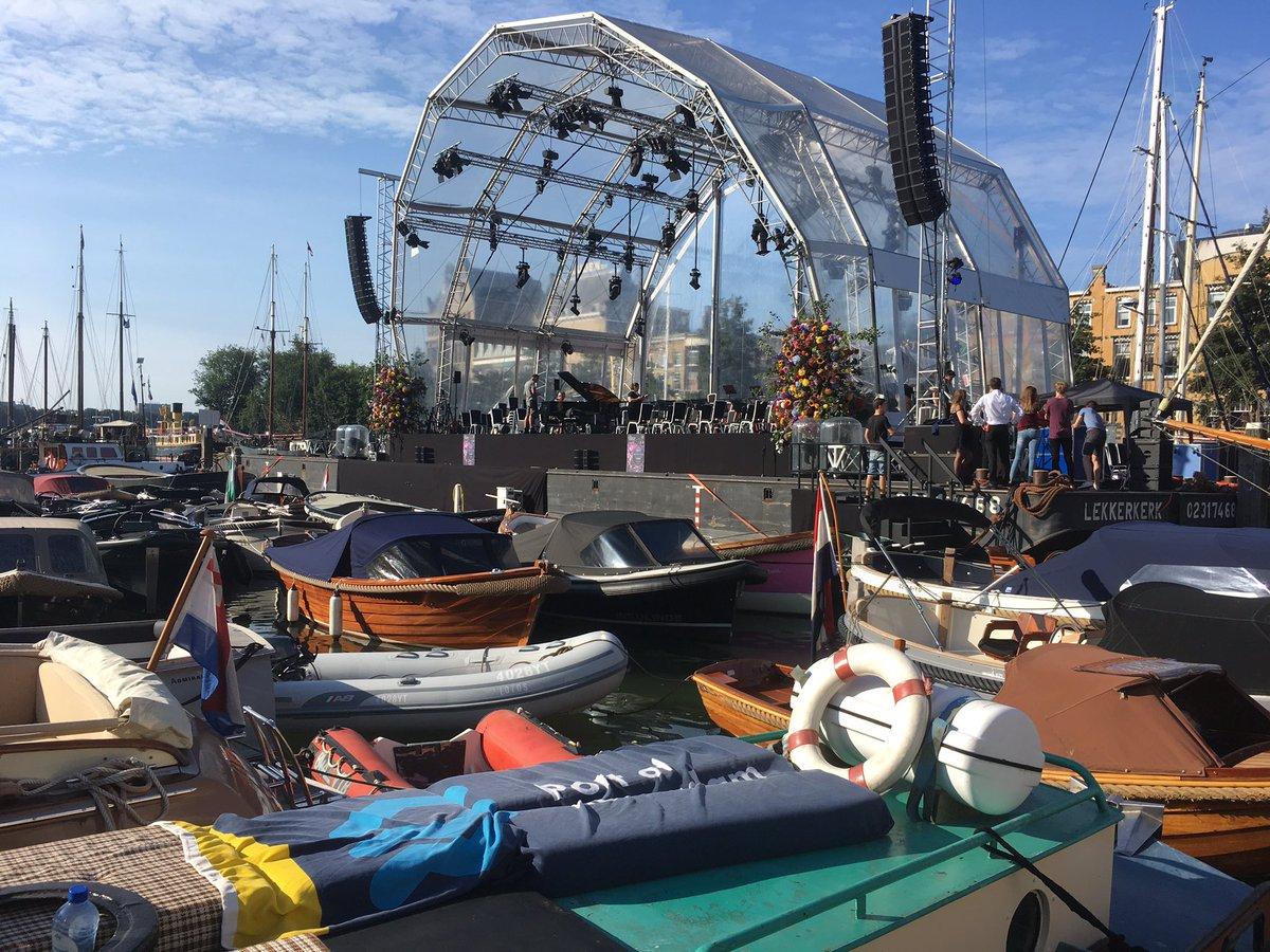 test Twitter Media - Vroeg uit de veren voor de opbouw van Toung Talent Concert in de Veerhaven Rotterdam #veerhavenconcert https://t.co/MxItK56H4b