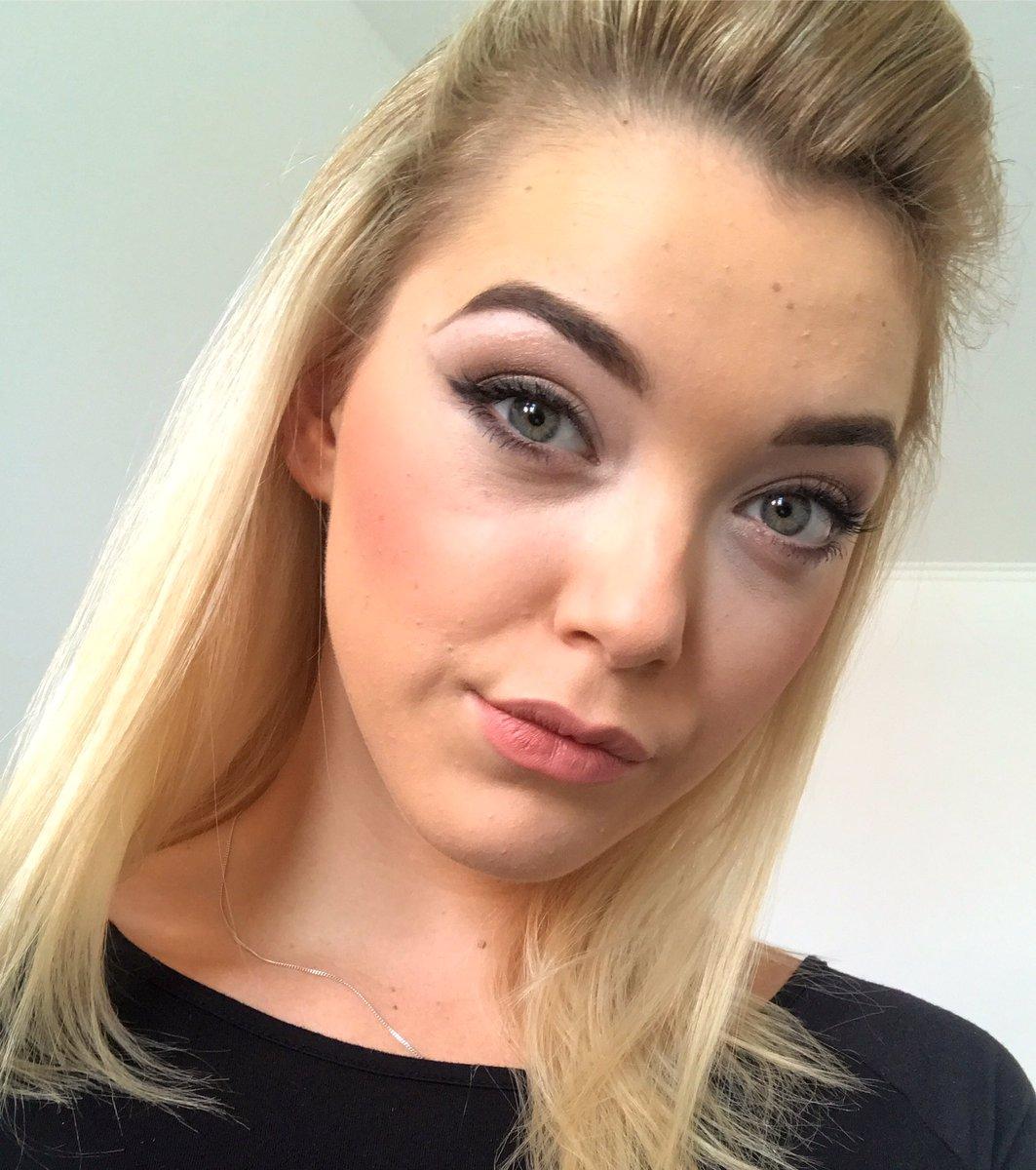 #Selfiesunday 👸🏼📸 #selfie #selfietime #blonde #doll 👉 NACSm2Yhgx 👈 fPzy4Ci