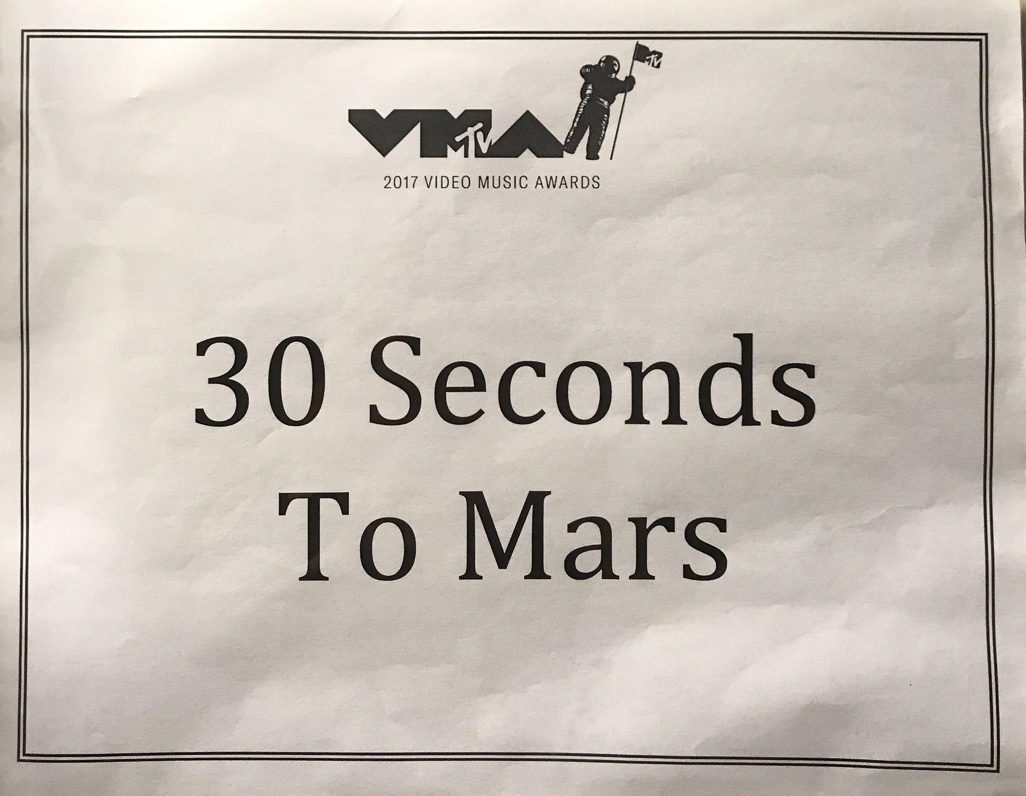Hey #VMAs we have arrived! ��#MarsOnVMAs https://t.co/rLBJieUJ4n